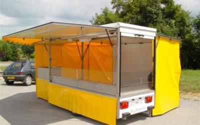 Remorque traiteur avec toit et auvents 1 essieu, 3 mètres